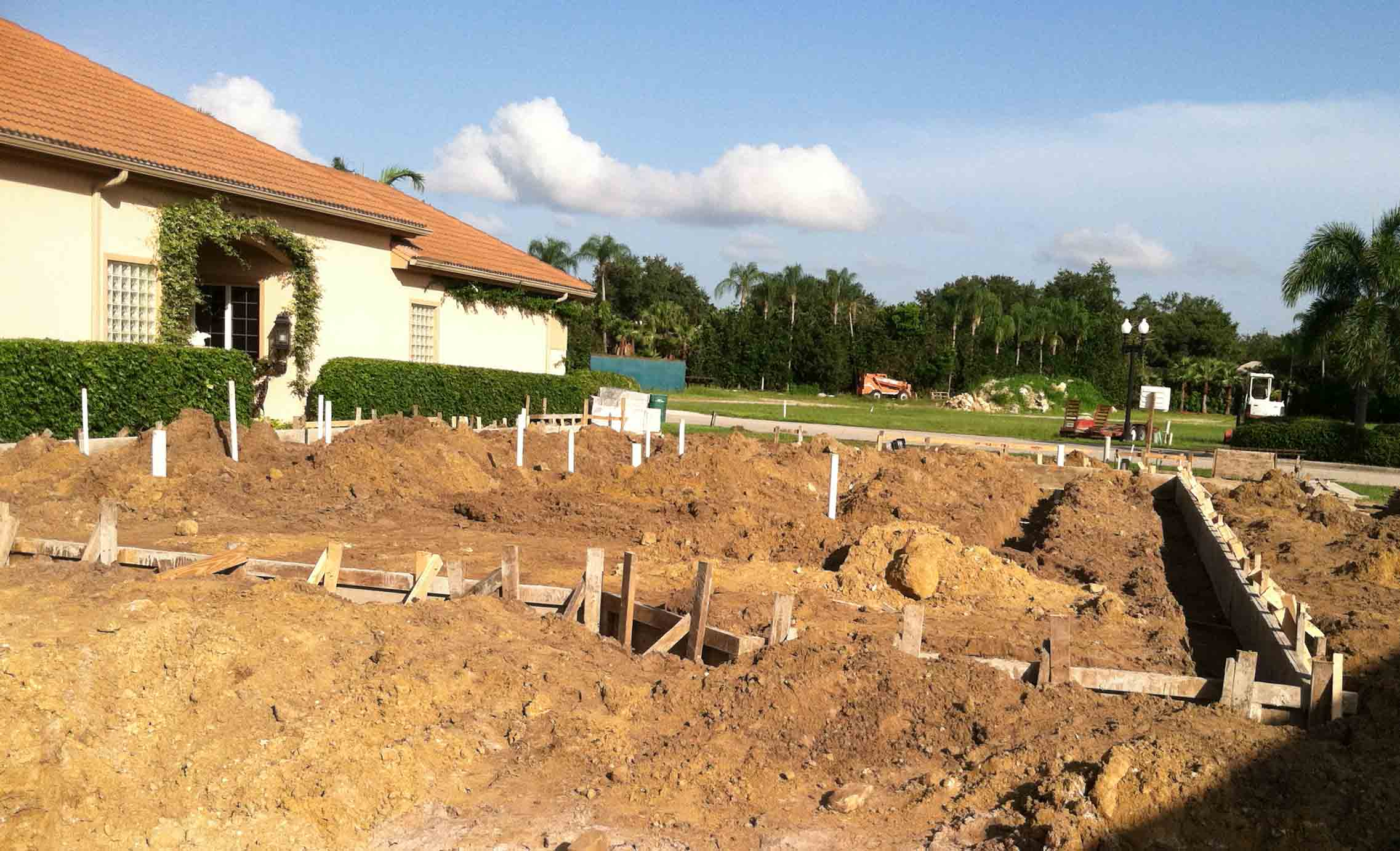 Naples house building methods and construction for Building home foundation